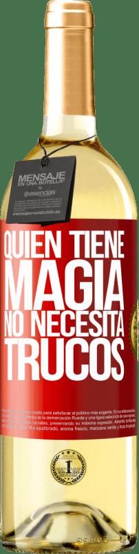 24,95 € Envío gratis   Vino Blanco Edición WHITE Quien tiene magia no necesita trucos Etiqueta Roja. Etiqueta personalizable Vino joven Cosecha 2020 Verdejo