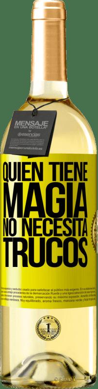 24,95 € Envío gratis   Vino Blanco Edición WHITE Quien tiene magia no necesita trucos Etiqueta Amarilla. Etiqueta personalizable Vino joven Cosecha 2020 Verdejo