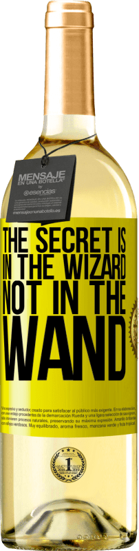24,95 € Free Shipping | White Wine WHITE Edition The secret is in the wizard, not in the wand Yellow Label. Customizable label Young wine Harvest 2020 Verdejo