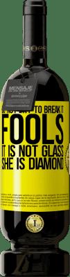 24,95 € Free Shipping   Red Wine Premium Edition RED MBS Do not try to break it, fools, it is not glass. She is diamond Yellow Label. Customized label I.G.P. Vino de la Tierra de Castilla y León Aging in oak barrels 12 Months Harvest 2016 Spain Tempranillo