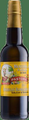 17,95 € Бесплатная доставка | Крепленое вино Barbadillo Manzanilla Pasada Pastora 37cl D.O. Manzanilla-Sanlúcar de Barrameda Андалусия Испания Palomino Fino Половина бутылки 37 cl