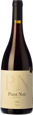 33,95 € Kostenloser Versand | Rotwein Los Aguilares Joven D.O. Sierras de Málaga Andalusien Spanien Pinot Schwarz Flasche 75 cl