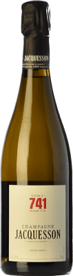 57,95 € Free Shipping | White sparkling Jacquesson Cuvée 740 Reserva A.O.C. Champagne Champagne France Pinot Black, Chardonnay, Pinot Meunier Bottle 75 cl. | Thousands of wine lovers trust us to get the best price guarantee, free shipping always and hassle-free shopping and returns.