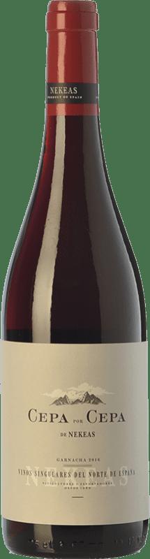 6,95 € Envío gratis | Vino tinto Nekeas Cepa por Cepa Garnacha Joven D.O. Navarra Navarra España Tempranillo, Garnacha Botella 75 cl