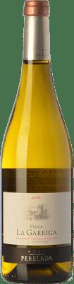 15,95 € Envío gratis | Vino blanco Perelada Finca La Garriga Blanc Crianza D.O. Empordà Cataluña España Samsó, Chardonnay Botella 75 cl