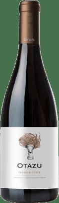 12,95 € Kostenloser Versand | Rotwein Señorío de Otazu Premium Cuvée Crianza D.O. Navarra Navarra Spanien Tempranillo, Merlot, Cabernet Sauvignon Flasche 75 cl