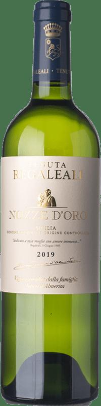 18,95 € Envío gratis | Vino blanco Tasca d'Almerita Nozze d'Oro D.O.C. Contea di Sclafani Sicilia Italia Sauvignon, Insolia Botella 75 cl