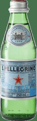 1,95 € Envío gratis | Agua San Pellegrino Gas Sparkling Italia Botellín 25 cl