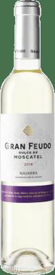7,95 € Envío gratis | Vino blanco Chivite Gran Feudo D.O. Navarra Navarra España Moscatel Botella Medium 50 cl