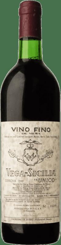 628,95 € Free Shipping | Red wine Vega Sicilia Único Gran Reserva 1969 D.O. Ribera del Duero Castilla y León Spain Tempranillo, Merlot, Cabernet Sauvignon Bottle 75 cl